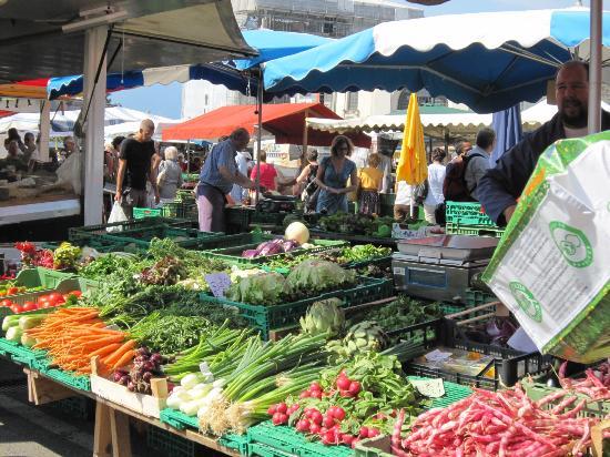 Farmers markets in Suisse Romande