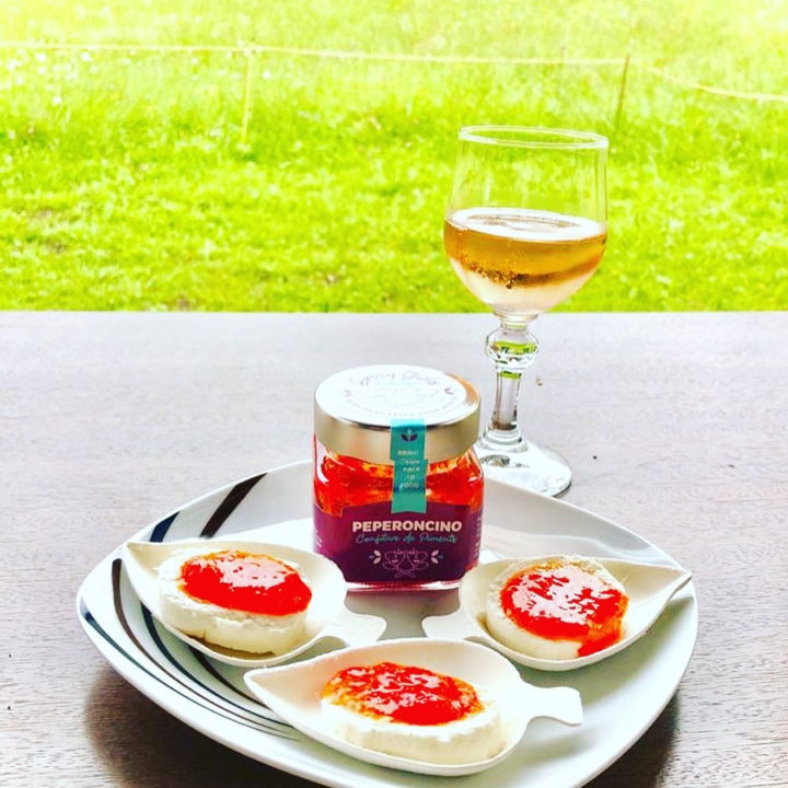 Spicy Girls Kitchen peperoncino spicy jam with fresh cheese