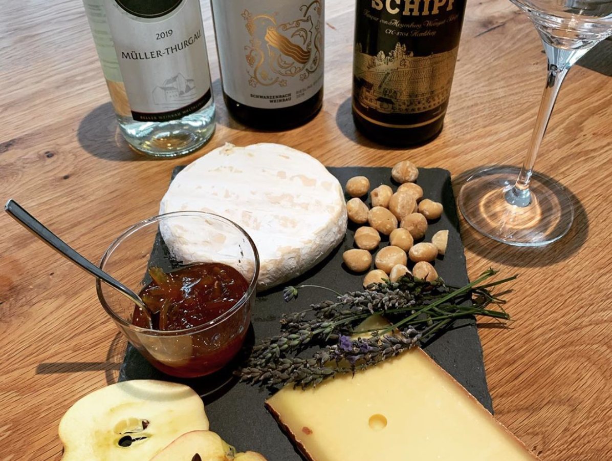 The best artisanal swiss cheese club: l'Atelier du Fromage